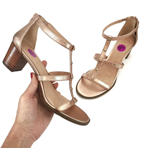 31380f76a99f Jack Rogers Shoes - NWOT Jack Rogers JULIA Rose Gold Block Heel Sandal